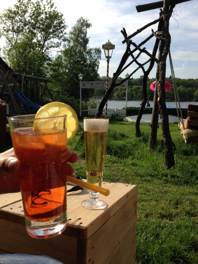 Have a drink at the `Haus am See´